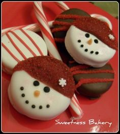 Sweetness Cakery's dipped and decorated Oreos, but we can bet it's pretty much the same as the first example.