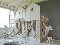 Mueble casita infantil http://www.mamidecora.com/muebles-infantiles-camas-casita.html