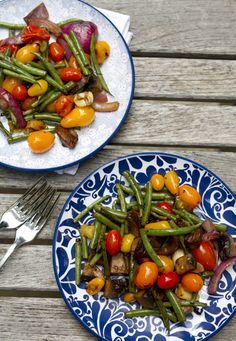 Grilled vegetables on blue & white china