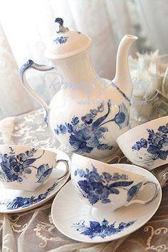 lovely blue & white