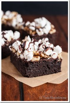 Rocky Road Brownies from @Nicole Novembrino Novembrino Novembrino White | The Marvelous Misadventures of a Foodie (www.foodiemisadventures.com) #OXOGoodBrownie