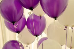 Purple and white balloons!! Awesome picture