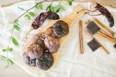 Spicy Chocolate Flourless Cookies