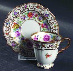 Garland Cup & Saucer by SCHUMANN/BAVARIA [Schgar], Scallop, Gold Decor, Floral Garland