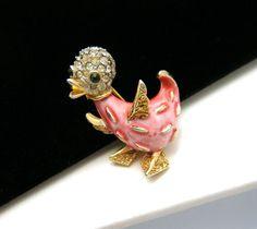Crown Trifari Figural Duck Pin Pave Rhinestone Pink Enamel Very Scarce Design | eBay