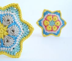 African flower stars by dada's place, via Flickr crochet star, african flower, flower star