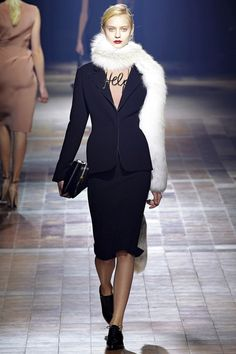 Simple & Chic Black Midi Skirt-Suit with Fur Scarf I Lanvin Fall Winter 2013 #fashion #trendy