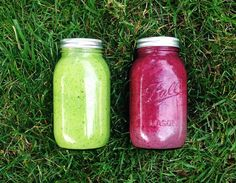 Smoothies in mason jars ♡