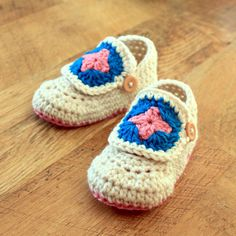 Crochet Pattern  Granny Square Baby Booties Sizes by Mamachee, $5.50