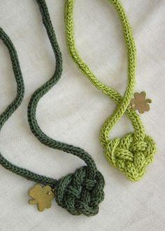 collane con tricotin, lana, ciondoli e ......