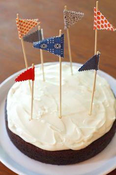 Cute Idea for an easy cake decoration