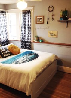 nice beach bedroom.