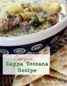 Zuppa Toscana {Olive Garden Copycat Recipe} www.skiptomylou.org #copycatrecipes #souprecipes #ZuppaToscanarecipe