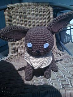 Eevee from Pokémon. Free pattern by Linda Potts. #crochet #pokemon
