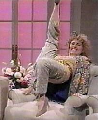 I LOVE IT, I LOVE IT, I LOVE IT! I <3 Molly Shannon and everything she does!