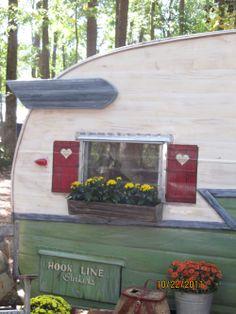 Adorable trailer exterior