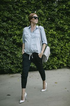 Could I Have That steps up her Street Fleece style with dressy accessories. Pair high and low items for a seamless, casual look this fall. | Source: http://www.couldihavethat.com/2014/10/dressed-up-fleece.html