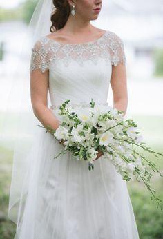 white flower bouquet with anemones, photo by Jordan Weiland http://ruffledblog.com/opulent-florida-wedding-inspiration::