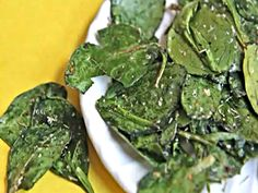 Italian Herb Baked Spinach Chips - Healthy Snack Idea