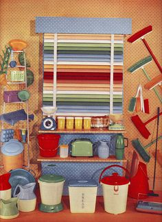 Love the vividly hued blinds, the bread canister, the green toaster - all of it! #vintage #1950s #appliances #kitchen