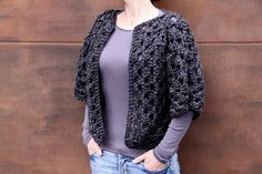 How to make a crochet granny shrug from 2 hexagons, with video!