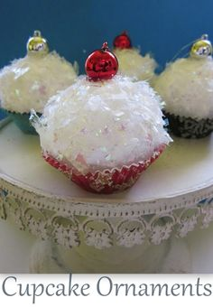 Cupcake Ornaments featuring Kristin from Homespun With Love {Handmade Ornament No.17}