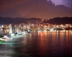 Acapulco, el mejor destino para este puente, y no pagaras casetas y si vienes del DF sólo la caseta de Tlalpan. Vive Acapulco al 100%