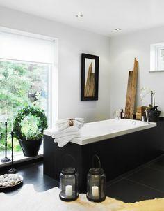 contemporary black + white bathtub