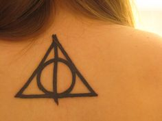 HP Deathly Hallows tattoo (happy christmas to HK??)