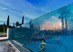 Glass end pool - Cool Pool