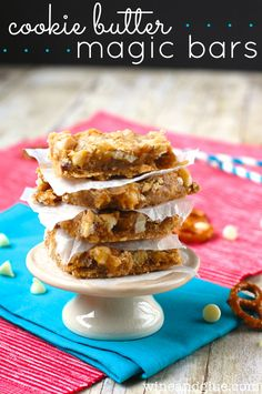 Cookie Butter Magic Bars!  Delicious, ooey gooey, and the amazing taste of cookie butter! via www.wineandglue.com #desserts #dessertrecipes #food #sweet #delicious #yummy