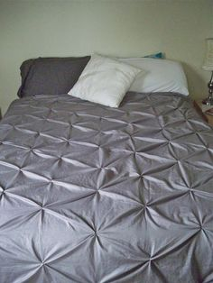 Be Sweetly Inspired: Pintuck duvet cover from Rit dyed sheets