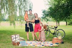 I have to take a family picture like this with my new bike!!!
