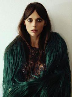 Green fur coat + lace