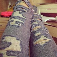 ripped jeans cute!