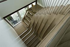 wood staircas, arquitectura en