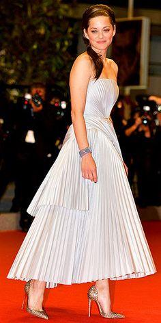Marion Cotillard in Christian Dior.
