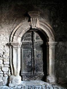 #Romanesque door - in the village of San Vito Romano, Lazio, Italia. #medieval #Italy