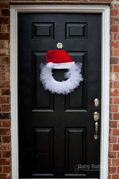 santa hat tulle wreath craft: #Christmas #Holidays