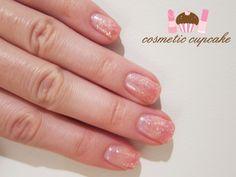 Sparkly pink gradient manicure <3