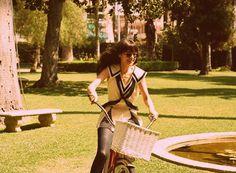 biking in circles: dizzy fun.
