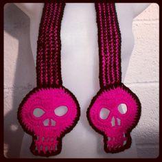 skull stuff, crochet skull, skull scarf