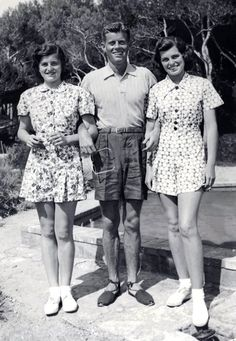 John Fitzgerald Kennedy wearing alpargatas