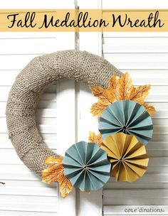 Fall medallion wreath with Tim Holtz Kraft Core!