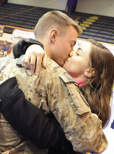 Five hundred Soldiers from the 4th Brigade Combat Team (Airborne), 25th Infantry Division, return to JBER-Richardson, October 6, 2012, after a 10-month deployment to Afghanistan. The Soldiers were honored in a homecoming ceremony held at Buckner Physical Fitness Center where they were reunited with their families. Nearly 2,300 Soldiers have returned home so far, with approximately 1,200 scheduled to arrive within the next few weeks. (U.S. Air Force Photo/Percy G. Jones)