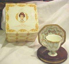 Vtg 1994 Mrs P F E Albee Avon Tea Cup Saucer IOB | eBay