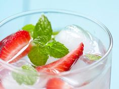 25 Flat Belly Sassy Water Recipes: Strawberry Basil Blast http://www.prevention.com/food/cook/25-flat-belly-sassy-water-recipes?s=3