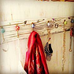 simplylisa1 photo: DIY Jewelry & Scarf Holder >> #WorldMarket Doorknobs