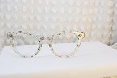 sparkle eyeglasses.