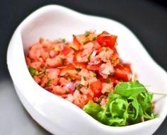 6. Lomi Lomi Salmon | 10 Authentic Hawaiian Recipes To Rock Your Next Luau hawaiian recipes, lomi lomi salmon, hawaiian food, weight loss, luau, eat right, hawaiian grind, salmon recipes, green onions